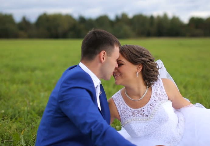 5d793fe3-1dec-45d8-ba1b-58a80a0a0a64-wedding-690x480-1